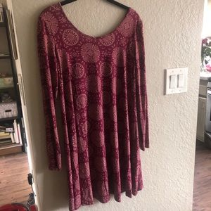 ✨ 2/$10 Flowy long sleeved dress